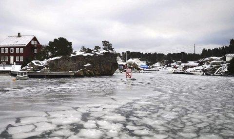 Sprengkaldt: For å sørge for at øyfolket får vann i springen, har Tvedestrand kommune gjort noen grep.Foto: Bjørn Inge Hansen