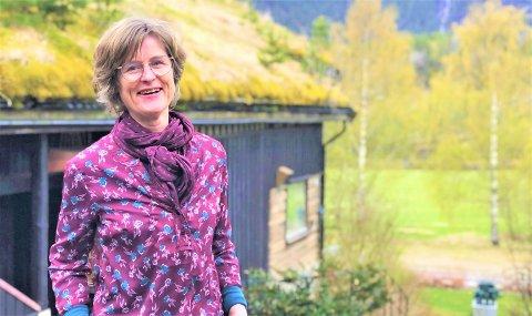 Barbro Hillestad styrer galleriet i Hillestad med glans. Flere av medlemmene i familien hennes er aktive i bedriften og de er alle storfornøyde med årets sommersesong.