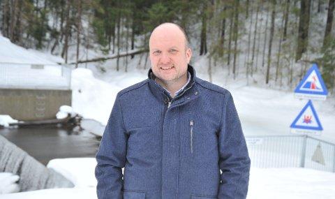 STILLERKRAV:Kommunikasjonssjef Kristian Westgård i Nittedal kommune ved Waage dam i Kruttverket.