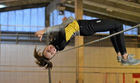Tommel opp. Mathilde Karlsen Klokseth fra Son har all grunn til å smile etter prestasjonene så langt denne sesongen hvor hun blant annet kan skilte med både gull og bronse fra UM .