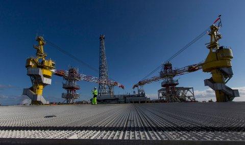 Den 65.000 tonn tunge goliatplattformen produserer olje fra Barentshavet.