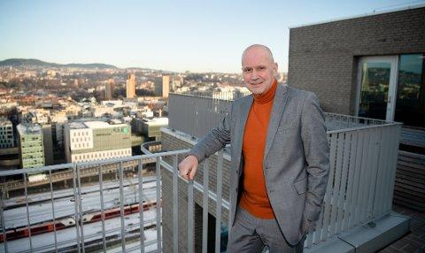 HER BØR DU BO: Terje Buraas, administrerende direktør i DNB Eiendom, sier at det er flere steder i Oslo og omegn hvor verdien på boliger er på vei oppover.  Foto: Stig B. Fiksdal (Dnb)