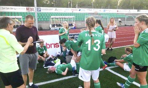KJEMPET TILBAKE: Risørs fotballkvinner lå under 0-2 etter første omgang, men ga ikke opp og hentet opp Birkenes' ledelse, takket være scoringene til Celina Christensen Frøyna og Irma Lutvica.