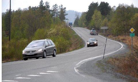 Saktere: Trafikanter som svinger av E6 og inn på riksvei 827 må i framtiden redusere farten med 20 kilometer i timen.