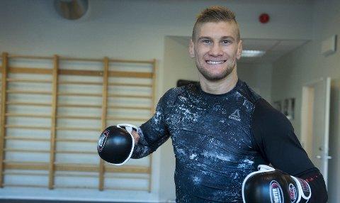 Alexander Jacobsen har bak seg en uke med tøff sparring på et av de mest anerkjente MMA-senterne i Europa, Arte Suave i København.