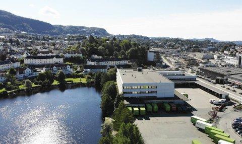 Solheimsvannet ligger lavere enn kanalen som komme på Minde. Det har skapt en del hodebry for planleggere og utbyggere.