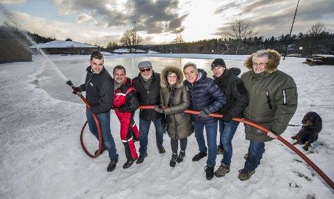 Samlet: Ambjørnrød har mange ildsjeler, her er noen av dem: Daniel Hammer, Dag Bjørgestad, Kjell A. Simensen, Anne Sparre-Enger, Thorleif Brønn, Anders Strømsæther og Ragnar Christiansen.