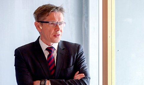 LEDET I FIRE ÅR: Advokat Gunnar Holm Ringen har ledet varslingssekretariatet for kommunen i omlag fire år.Her under fremleggelsen av granskningen etter varslingene i teknisk drift.
