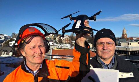 Nytt selskap: Magne Willy Kaspersen fra Hvaler (t.v.) og Arnstein Koch-Engebretsen fra Sarpsborg har startet selskapet Skogdrone DA.