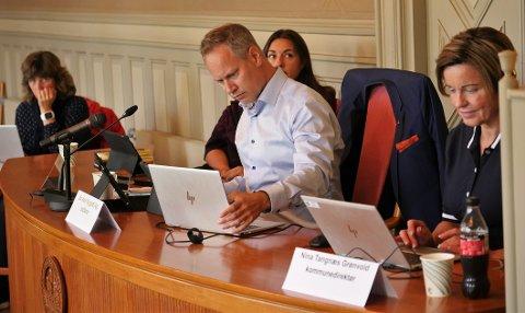 Torsdag skal ordfører Jon-Ivar Nygård og de andre i formannskapet avgjøre om koronaforskriften skal forlenges - og om det skal iverksettes nye tiltak.