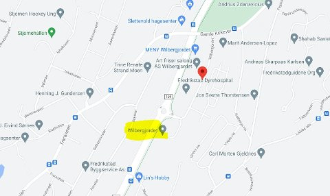 ULYKKE: Her er Wilbergjordet gulmerket. Det ligger om lag 1,5 kilometer nord for Fredrikstad sentrum langs fylkesvei 109 – også kjent som Rolvsøyveien.