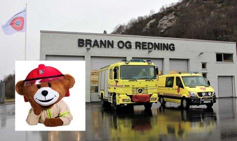 Brannbamsen Bjørnis kommer på besøk til Ålgård brannstasjon lørdag.