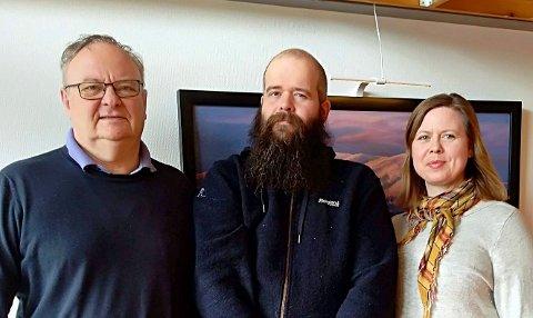 NYANSATT: Ny jordbrukssjef Eli Åsen sammen med avgått jordbrukssjef Finn Kristian Amblie (t.v) og skogbrukssjef Øyvind Juliussen.