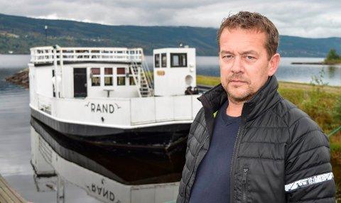 FERGEEIER: Nå blir det enklere for fergeeier Mats Haug å ta vare på MF Rond.