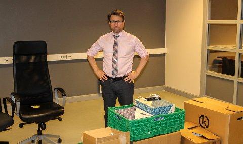 FLYTTER: Ole Richard Holm-Olsen gleder seg til å komme på plass i de nye lokalene i Hannestadgården.