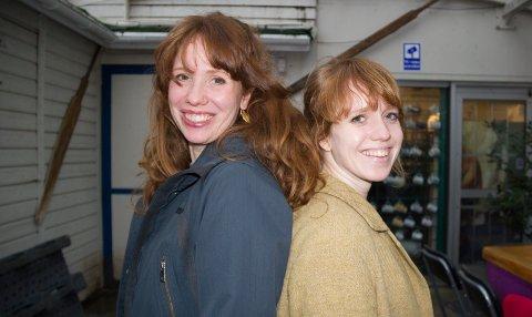ROOTSEN:  - Vi søstre har alle vært innom Rootsen i Vikedal, sier Siv Hafstad Grinde ( til v.) som er kommunikasjons- og markedsleder i Haugesund Teater mens Kristin Hafstad Stokka er festivalsjef på dugnad for Rootsen.