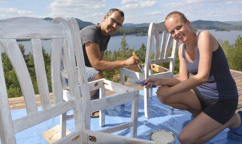 Drømmestedet: Ekteparet Robert og Kirsten Nystuen fra Drammen fant drømmestedet sitt på Eikenes.