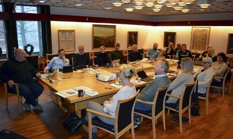 BEREDSKAPSSAMLING: Sentrale personer i beredskapsplanene til Moss kommune var samlet i formannskapssalen for planlagt kursing onsdag formiddag.