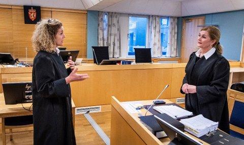 STOR UENIGHET: Statsadvokat Anne Christine Stoltz Wennersten (til venstre) og forsvare Vigdis Brandstorp var langt fra enige om hva som er riktig straff for den 43 år gamle mossingen som er tiltalt for drap. – 11 og et halvt år i fengsel, sa Stoltz Wennersten i sin prosedyre. – Min klient må frifinnes, kontret Brandstorp i sin prosedyre.