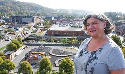 ORDFØRER: Anita Ihle Steen var en del av ungdomsmiljøet da rasismen fikk fotfeste i Brumunddal. Nå kommer ordføreren med en påminnelse.