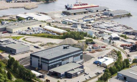TILBAKE PÅ RØRA: Agility Subsea Fabrications har startet opp produksjonen igjen på Røra. Daglig leder Tove Nilsen Ljunquist kan fortelle om mange positive ansatte som er tilbake i jobb. foto: agilitygroup