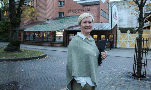 HOLDES ÅPENT: Eriksen har vil ikke stenge kinoen.