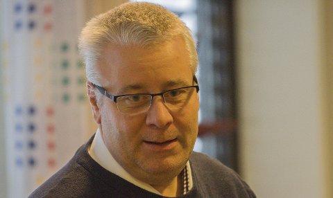 IKKE INHABIL: Kontrollutvalgsleder Bård Hoksrud (Frp) ble erklært habil i videre behandling av sak om Langesund Bad. Han sier de ønsker grundig orientering om saken og hele dens historikk for å forsikre at kommunen har handlet korrekt. – Dette er ikke en omkamp, sier Hoksrud til PD.