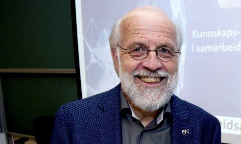 FORNØYD: Rektor Petter Aasen ved USN.