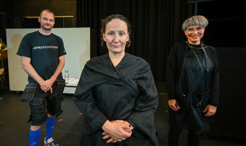 Giedtine - hvem eier vinden?  NT Nordland teater. Cecilia Persson, Johan Haugen og Isabella Flått.