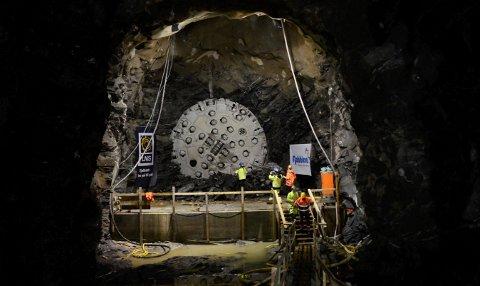 Tunnelboremaskin Jern-Erna bidro til å gjøre Nedre Røssåga kraftstasjon til en av verdens beste kraftstasjon ved å lage en helt rund tunnel med en lengde på 7,2 kilometer.