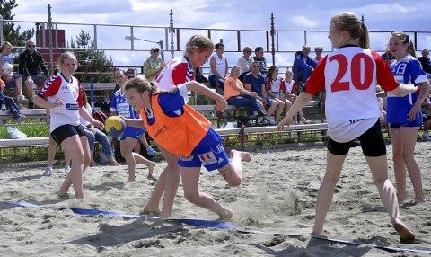 Ny fest i Moelv: Fredag starter årets regionmesterskap i beachhåndball. Foto: Arkiv
