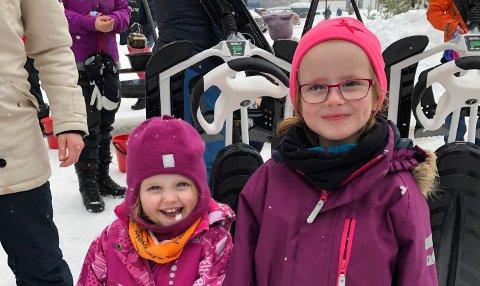 VINNERE: Søstrene Leona og Celina Bakke Gran ble trukket ut og vant hver sin snowracer.