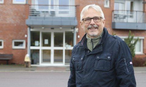 Skryter: Svein Erik Horn er meget godt fornøyd med Sandetun. Nå bønnfaller han politikerne om å bevare dagens tilbud, akkurat slik det er i dag. Foto: Hege Frostad Dahle