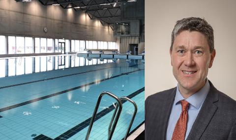 Arne Oftedal (Ap) sier at han har hørt fra forskjellige hold at billettene til svømmehallen blir booket i løpet av et par minutter, og forslår å gjøre endringer i bookingsystemet.
