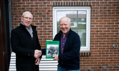 TOK 58 ÅR: Endelig fikk Magne Gjesdal (t.v.) takket Arvid Eikeskog for å ha berget livet hans i ungdomstiden.