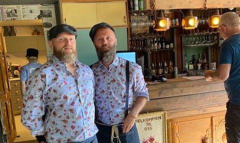 VISTE FRAM LOKALA: Trond Kleven og Anders Thoresen har halde på med oppussing av lokala i Tauvågen sidan januar.