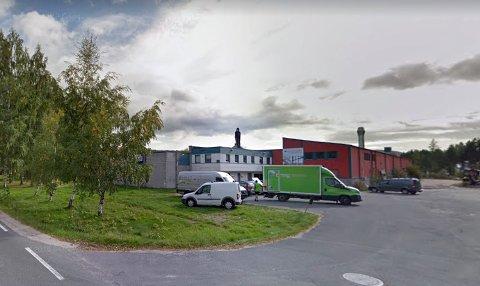 KONKURS: Bedriften Tarraldsen trappa AS på Sundsmoen Industriområde i Treungen begjærte oppbud i forrige uke. Gjelden i selskapet er oppgitt til 9,5 millioner kroner. Foto: Google Streetview