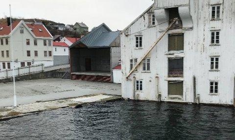 Også i helga var det høy vannstand. Da tok sunbåtkaptein Rangvald Todal dette bildet på Innlandet.