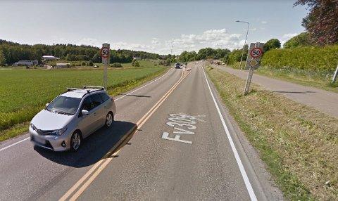 PASS PÅ: UP avholdt fartskontroll i Berganveien i dag. En bilfører ble tatt i 70 km/t i 50-sonen.