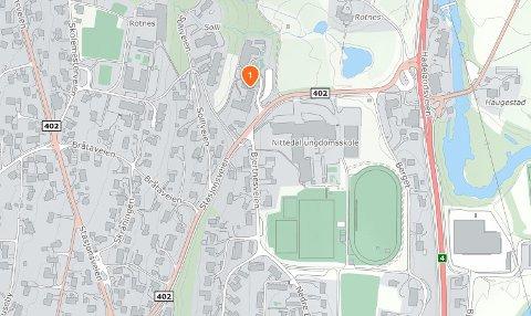 ROTNES: Adressa i Stasjonsveien der det mandag ble stjålet en sykkel.