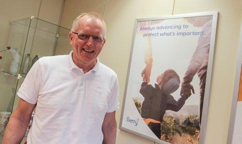 OPTIMIST: Daglig leder Hans Jørgen Gulland er superoptimist og har ståltro på framtida for Berry Packaging på Kambo.
