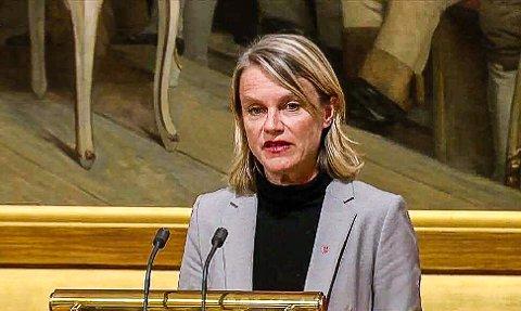 Stortingsdebut: Nina Sandberg tok til orde for å skrote regionreformen rundt Oslofjorden fra Stortingets talerstol under trontaledebatten tirsdag kveld. Foto: Privat