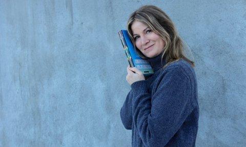 ENDELIG: Maren Engelschiøn (45) fra Vollen debuterer med ungdomsboken En del av meg.