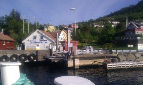 MER DYBDE: Utenfor ferjeleiet på Andabeløy er det en grunne på 3,5 meters dyp denne skal nå skytes bort.