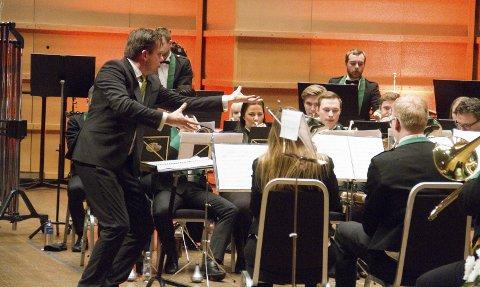 Manger musikklag, med dirigent Martin Phillip Winter i spissen, skal til Nederland i juli for å konkurrere i World Music Contest.