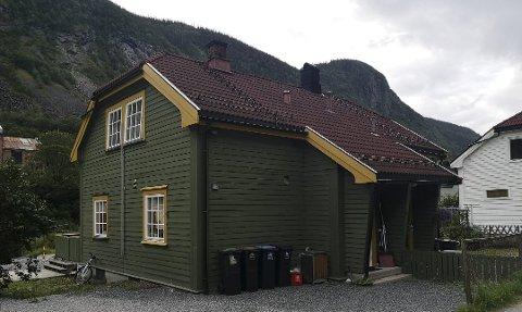MUSLIMSK KULTURSENTER: Dette huset er registrert som et muslimsk trossamfunn med 87 medlemmer. Men beboeren her er ikke muslim, og verken hun eller huseier har hørt om trossamfunnet.