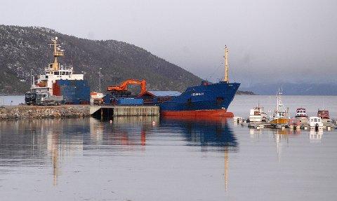 Viktig: Utvidelsen av lagerkapasiteten på industrikaia/containerhavna på Drag er av stor betydning for kvartsprodusenten The Quartz Corp AS.