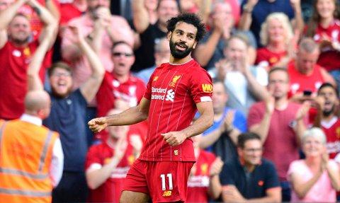 Liverpools Mohamed Salah feirer en av de to scoringene sine mot Arsenal i forrige serierunde.