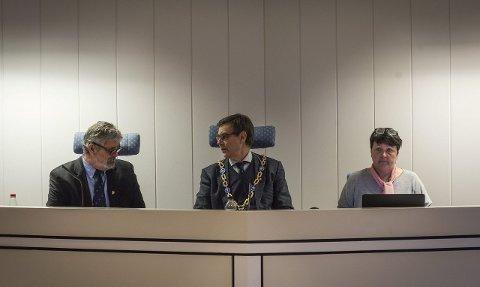 GODTGJØRELSE: Ordfører Bent Inge Bye (midten) vil fra 2017 få over én million i lønn. – Jeg kunne latt være å gjøre noen ting og potensielt fått en langt høyere lønn, svarer Bye.