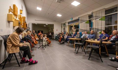 Kulturskolen i Fredrikstad reiser i desember rundt på institusjoner i Fredrikstad for å spre julestemning.